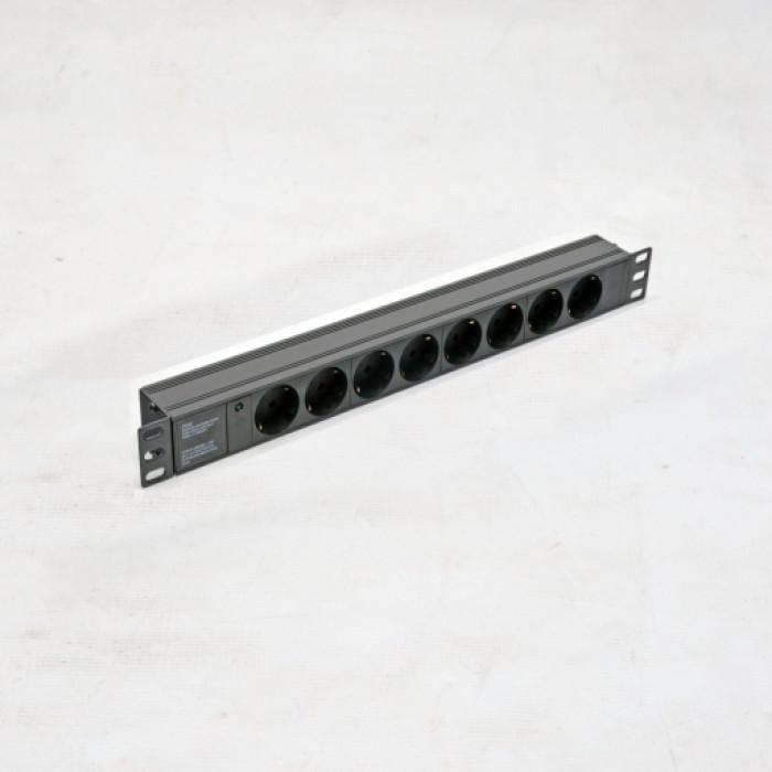 """Блок 19"""" на 8 роз. нем. станд., 10А, с индикатором., черный, 1U, без шнура, разъём С14"""